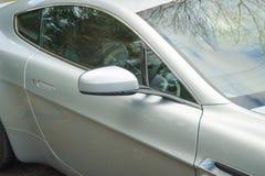 Une fenêtre de droite d'Aston Martin Vantage English Grand Tourer Photo libre de droits