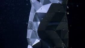 Une figure abstraite se tenant sous l'eau avec des bulles se levant sur la surface sur le fond noir banque de vidéos