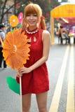 Une fille chinoise célèbrent la nouvelle année chinoise Photo libre de droits