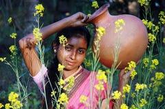 Une fille de village Images libres de droits
