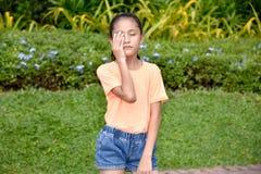 Une fille honteuse d'adolescent photos libres de droits