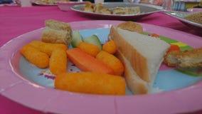 Une fin d'un plat de nourriture de buffet Images stock