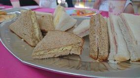 Une fin d'un plat des sandwichs Images stock