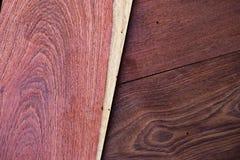 Une fin vers le haut de section de fond rouge aromatique de Cedar Lumber Wooden photographie stock libre de droits