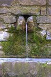 Une fontaine rurale Photographie stock