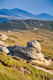 Une formation de roche dans les montagnes photographie stock libre de droits