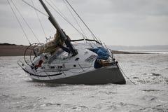 Une gîte de yacht due à être échoué à l'entrée de la rivière hamble dans le solent Photo stock