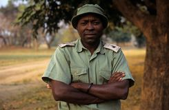 Une garde forestière au stationnement national de Gorongosa Images libres de droits