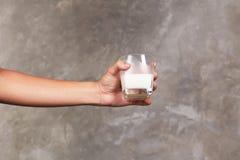 Une glace de lait Images stock