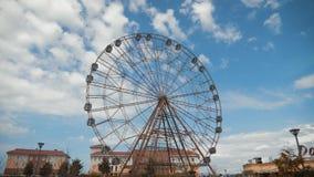 Une grande roue en parc clips vidéos