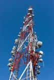 Une grande tour d'antenne de téléphone portable Photo stock