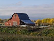 Une grange rouge Photographie stock