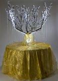 Une guirlande de lumière sur l'arbre Photos libres de droits