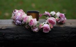 Une guirlande des roses Images stock