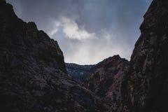 Une hausse dans le froid Dans au canyon nous allons photographie stock libre de droits