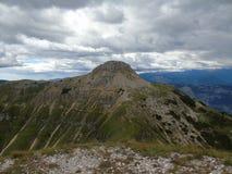 Une haute montagne étonnante près des dolomites Image libre de droits