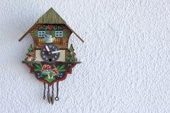 Une horloge de coucou Photos libres de droits