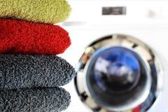 Une image de concept d'une machine à laver de blanchisserie images stock