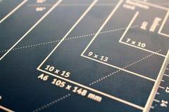Une image de concept d'un coupeur de papier, machine images libres de droits