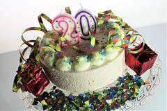 Une image de concept d'un gâteau d'anniversaire - anniversaire 20 photographie stock libre de droits