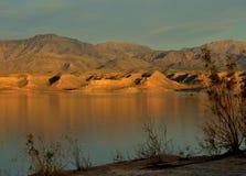Coucher du soleil chez le Lake Mead Photos stock