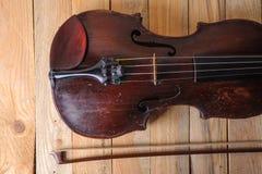 Une image de violon sur le fond blanc Photographie stock