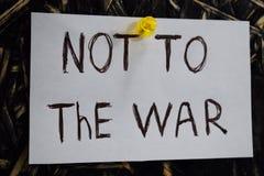 Une inscription simple et compréhensible, pas à la guerre Images libres de droits
