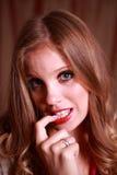Une jeune dame timide Images libres de droits