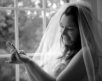 Une jeune mariée heureuse Image libre de droits