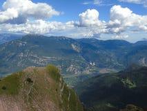 Une légende étonnante des montagnes photos stock