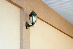 Une lampe de mur classique Photos stock