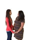 Une mère et sa fille adolescente Images libres de droits