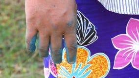 Une main color?e clips vidéos