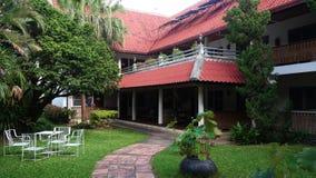 Une maison construite dans la forêt en dehors de la ville de Chiang Mai photos stock