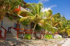 Une maison de bord de mer dans les tropiques Photo libre de droits
