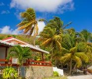 Une maison de bord de mer dans les tropiques Photos libres de droits