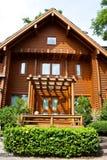 Une maison de logarithme naturel Photos stock