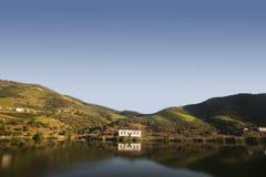 Une maison réfléchissant sur la vallée de Douro, Portugal photographie stock