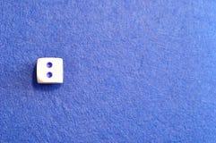 Une matrice simple avec le numéro deux photos stock