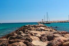 Une navigation de bateau par Photos stock