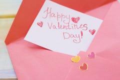 Une note d'amour sous enveloppe rose Image libre de droits