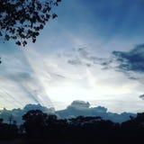 Une ombre d'un nuage image stock