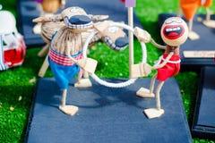 Une paire d'exprimer ses poupées d'amour photo libre de droits