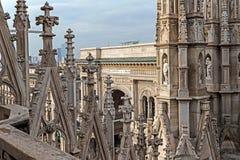 Une part de galerie de Milan Cathedral et de Vittorio Emanuele II Image libre de droits