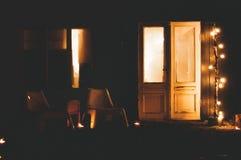 Une partie à la porte la nuit Photos libres de droits