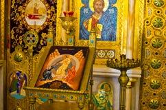 Une partie d'iconostase en Curtea de Arges, Roumanie Photo libre de droits