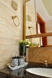Une partie d'intérieur de salle de toilette Photographie stock libre de droits