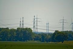 Une partie d'une ligne électrique en Bavière, Allemagne image stock