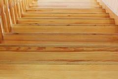 Une partie d'un escalier en bois Fond photos libres de droits