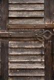 Une partie d'un vieux une porte en bois image libre de droits